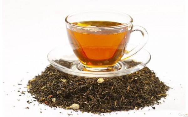 Чашка чая и заварка
