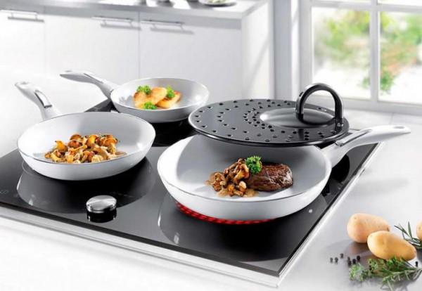 Керамическая посуда на плите