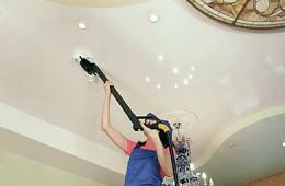 Как вымыть натяжной потолок своими руками?
