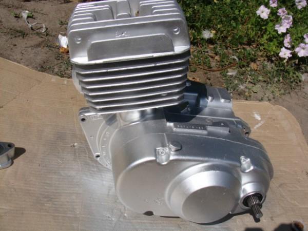Двигатель, выкрашенный «Серебрянкой»
