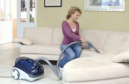 Чистка дивана в домашних условиях