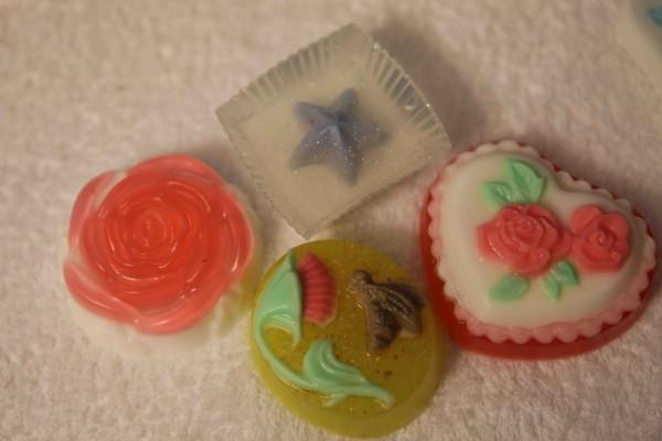 Мыло разных форм и цветов