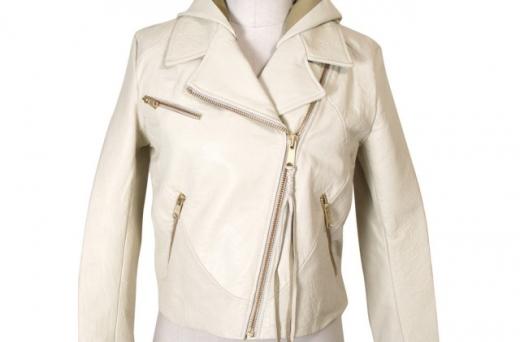 Куртка из белой кожи