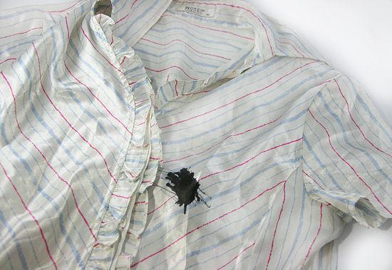 Рубашка с чернильным пятном