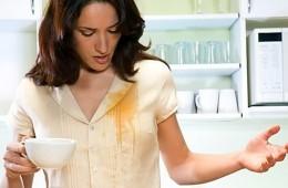 Как удалить пятна от чая на одежде?
