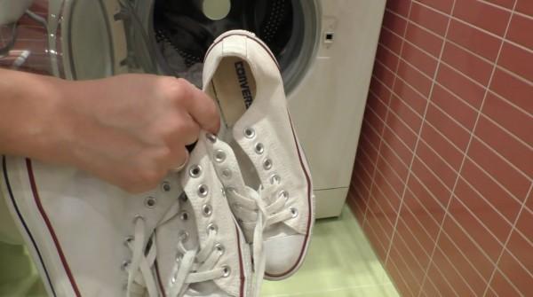 Кеды кладутся в стиральную машинку