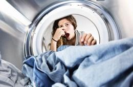 Как избавиться от неприятного запаха в стиральной машине?