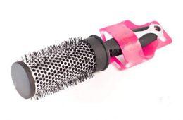Чистим расческу от грязи и волос