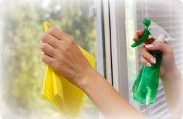 Как очистить стекло от клея?
