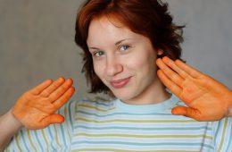 Как смыть краску для волос и бровей с кожи?