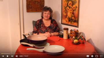 Как мыть сковороду с антипригарным покрытием?