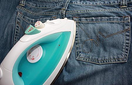 Как правильно гладить джинсы советы