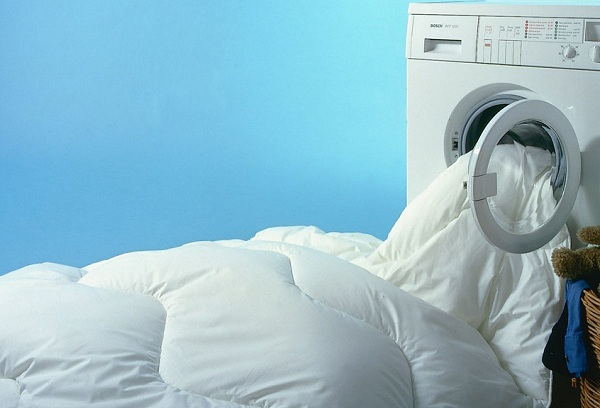 Как постирать пуховик в стиральной машине в домашних условиях?