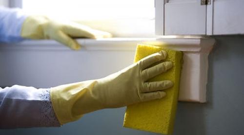 Чем отмыть грунтовку со стекла или двери?